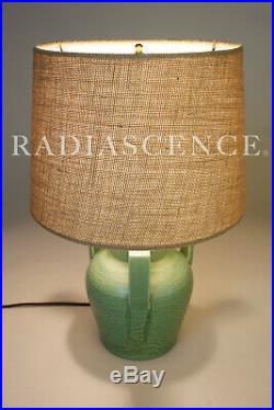 MATTE GREEN BUTTRESS HANDLE ART POTTERY CERAMIC SCULPTURE TABLE LAMP 1920s TECO