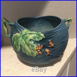 Roseville Art Pottery Blue Bushberry Double Handle Bowl Urn 411-6