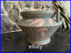 Roseville Futura Double Handled Jardiniere. Excellent Condition