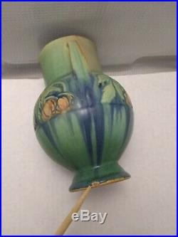 Roseville Pottery Baneda Green Art-Deco Ceramic Double-Handled Vase
